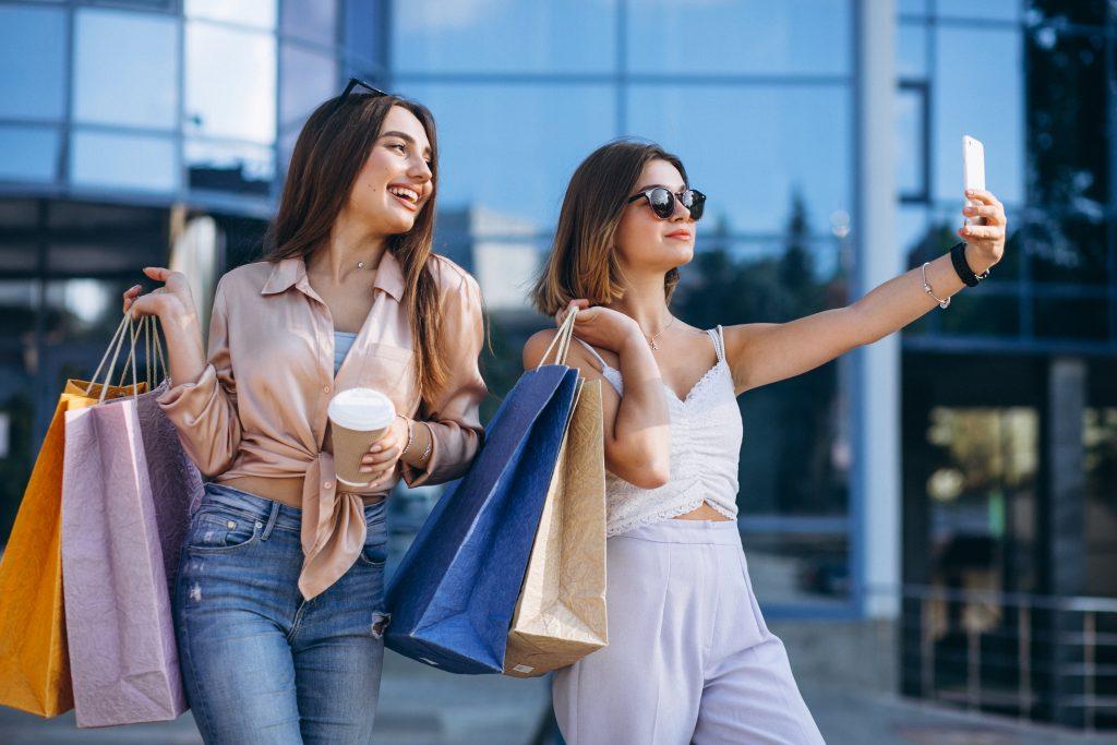 คุณจ่ายเงินซื้อของที่คุณต้องการอย่างมากมาย ใช่ความสุขที่แท้จริงแน่หรือ?